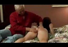 Wunderschön eine dünne Schlampe in einem engen Punkt frauenporno orgasmus gefickt